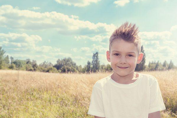 Kind mit ADHS draußen